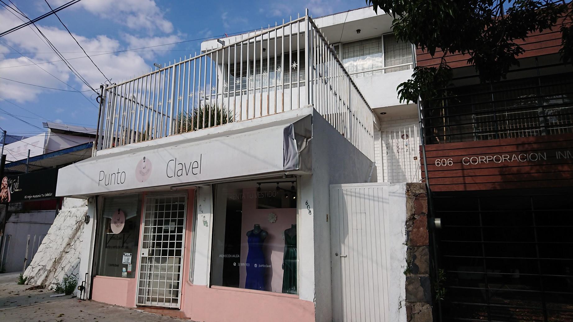 CASA CON LOCAL EN VENTA CHAPALITA