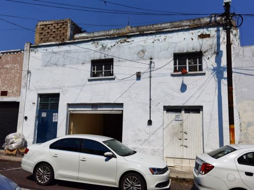 Local comercial con bodega en RENTA, colonia Moderna